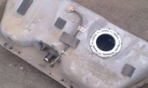 Как снять и заменить бензобак на Шевроле Ланос