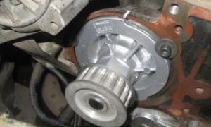 Как заменить водяной насос на Ланосе 1,5 и Шансе 1,5 с ГУР и кондиционером