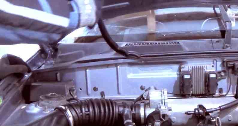 Снять резиновый уплотнитель