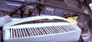 Снятие и замена салонного фильтра Ланос