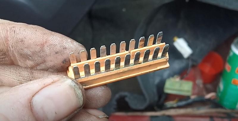 Клеммная колодка коннектора S303 Ланос