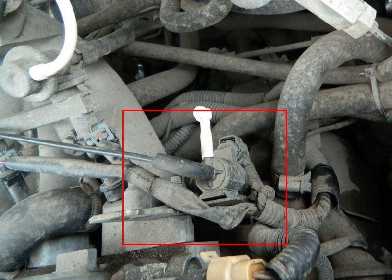 Где стоит управляющий клапан системы ЕГР Ланос