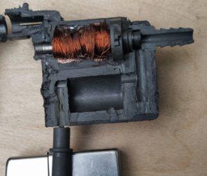Клапан адсорбера в разрезе